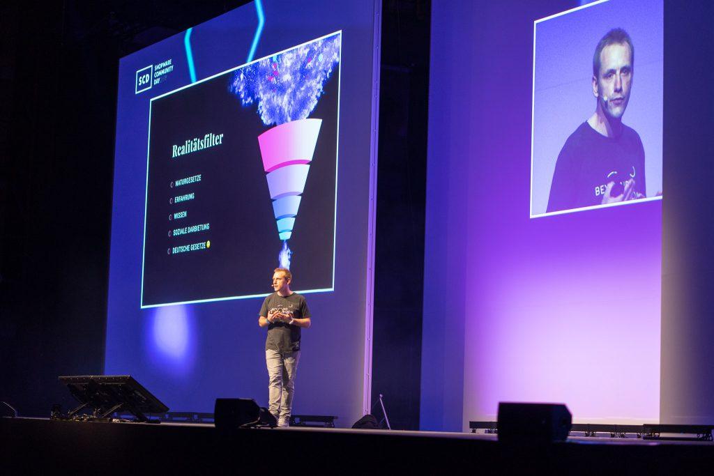Stefan Hamann bei der Präsentation der Keynote am SCD18.