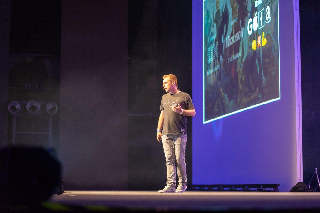 Stefan Hamann stellt Shopware 5.5. auf dem SCD18 vor.